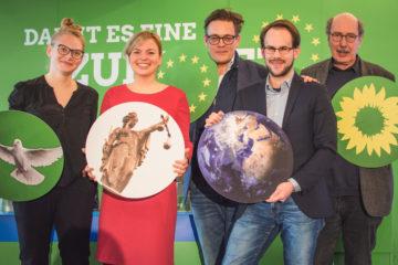 Anna Tranziska, Katharina Schulze, Konstantin von Notz, Steffen Regis und Burkhard Peters (v.l.n.r.), Foto: Fenja Hardel -aufmDach.de